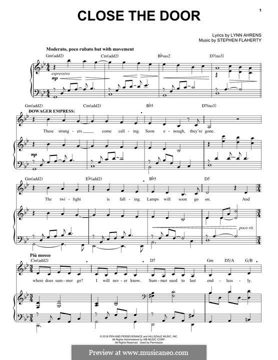 Close the Door: Para vocais e piano by Lynn Ahrens, Stephen Flaherty